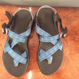 Shoes - Size 7 Chacos